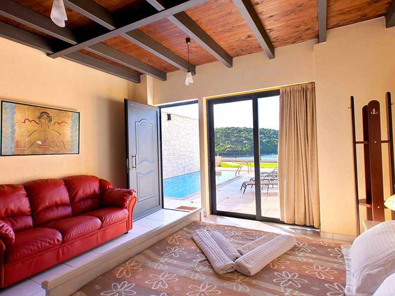 Ornella beach hotel resort villas villa julieta for Villas julie